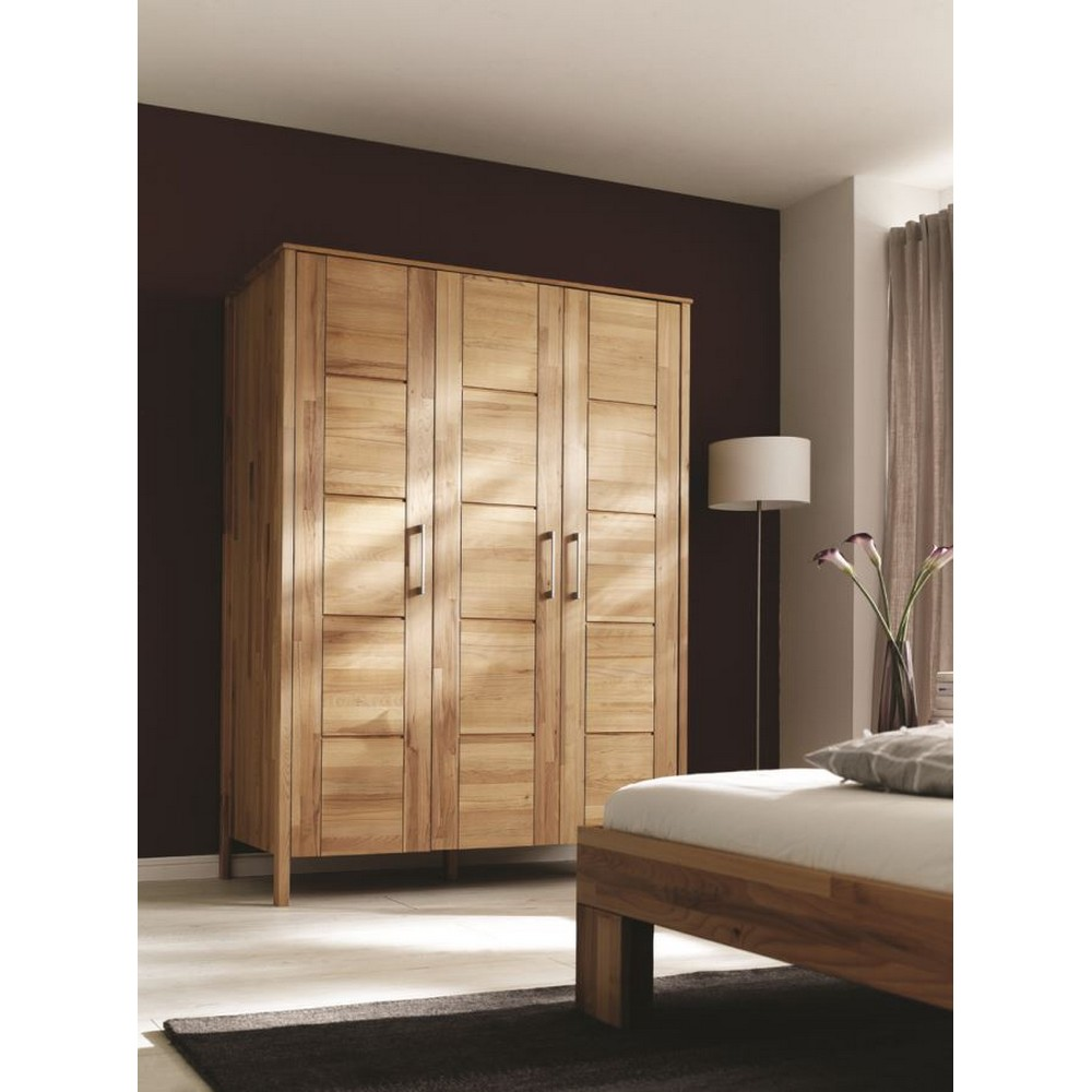 schrank kleiderschrank 3 t ren rotkernbuche massiv ge lt 9. Black Bedroom Furniture Sets. Home Design Ideas